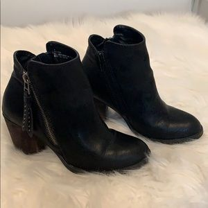 Madden Girl Peyton Ankle Booties Size 6